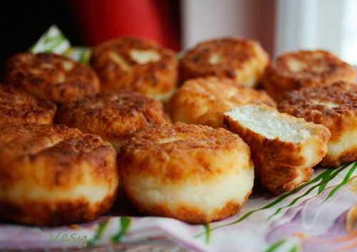 Рецепты сырников в духовке,  секреты выбора