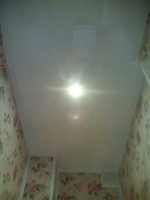 Отделка панелями стен и потолка кухни, ванной, балкона, туалета