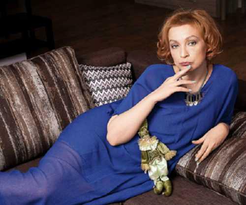 Четвертая жена Михаила Ефремова спивается и не платит по счетам