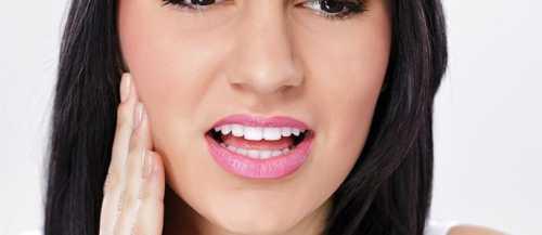 Обязательно проводится тщательная очистка зубных каналов